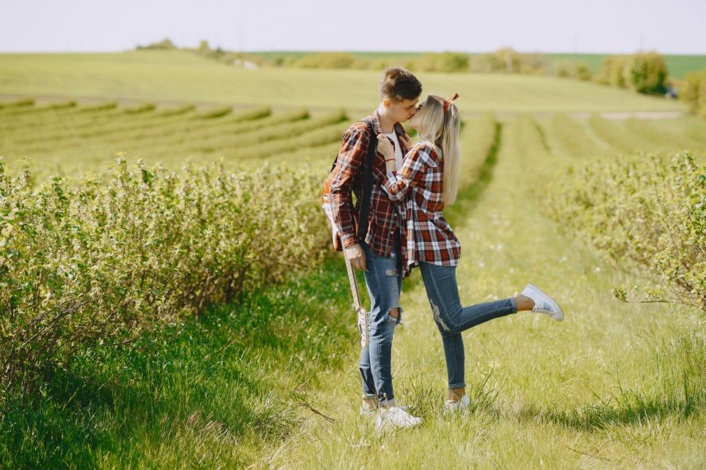 愛しい人とキスしたくなるのはなぜ?