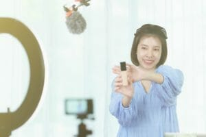 【新規事業】最近流行りの「ライブ配信」で副業収入を得る