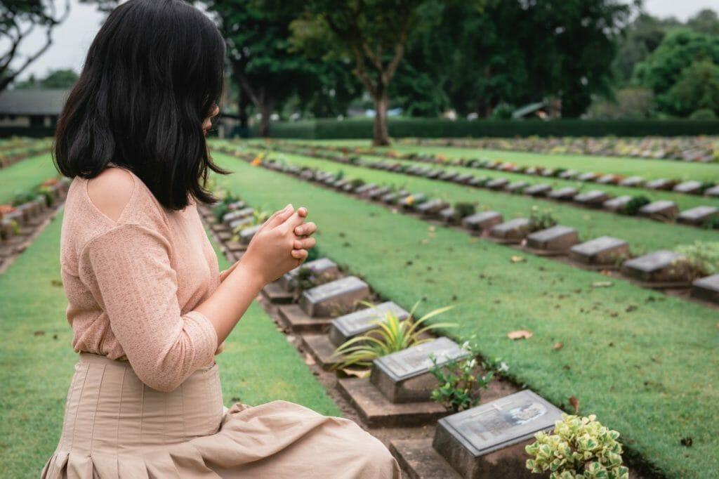 死の恐怖が薄らぐ理由① 死が概念的なものから現実的なものへと変わるため
