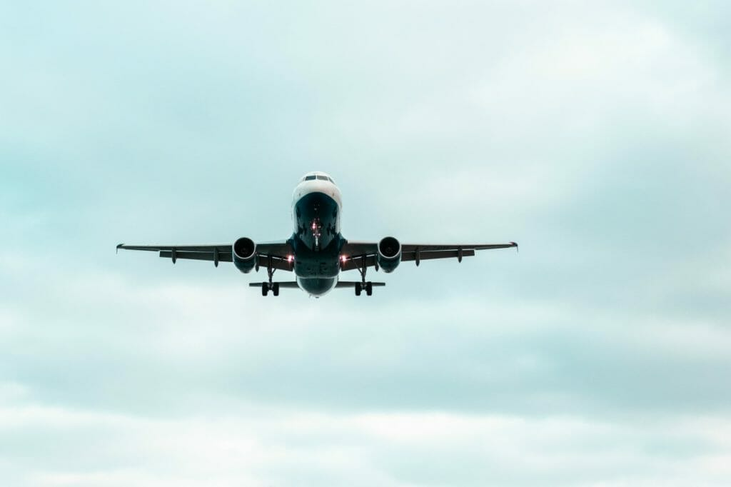 飛行機が墜落する確率は0.0009%