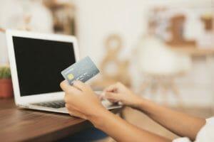 現金からクレジットカード生活に変える!カードの選び方