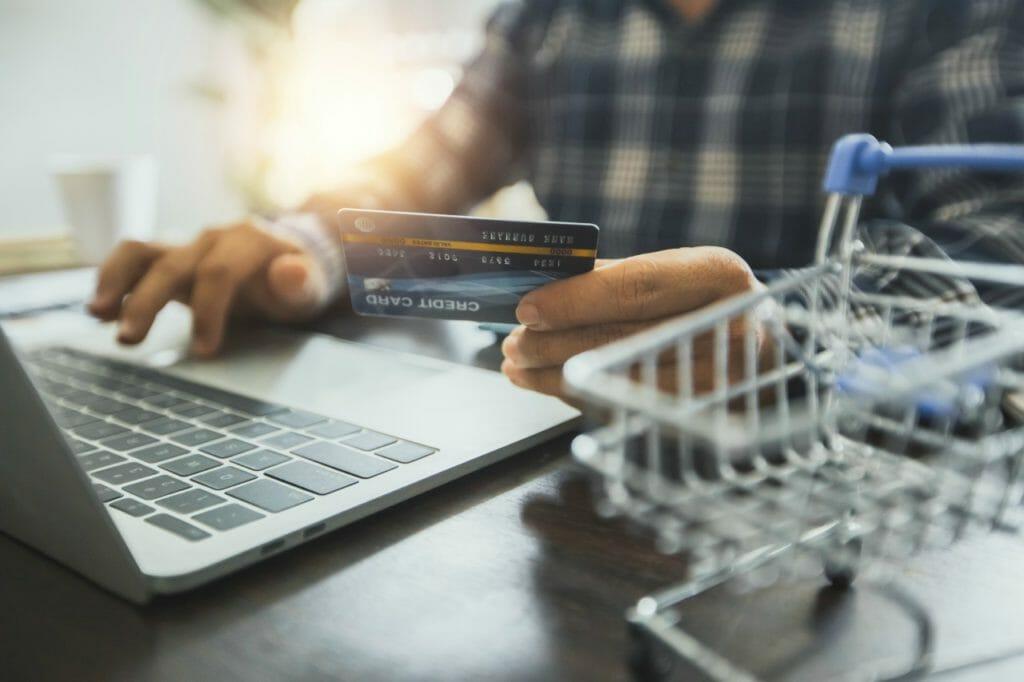 通販会社のクレジットカードを選ぶ際のポイント