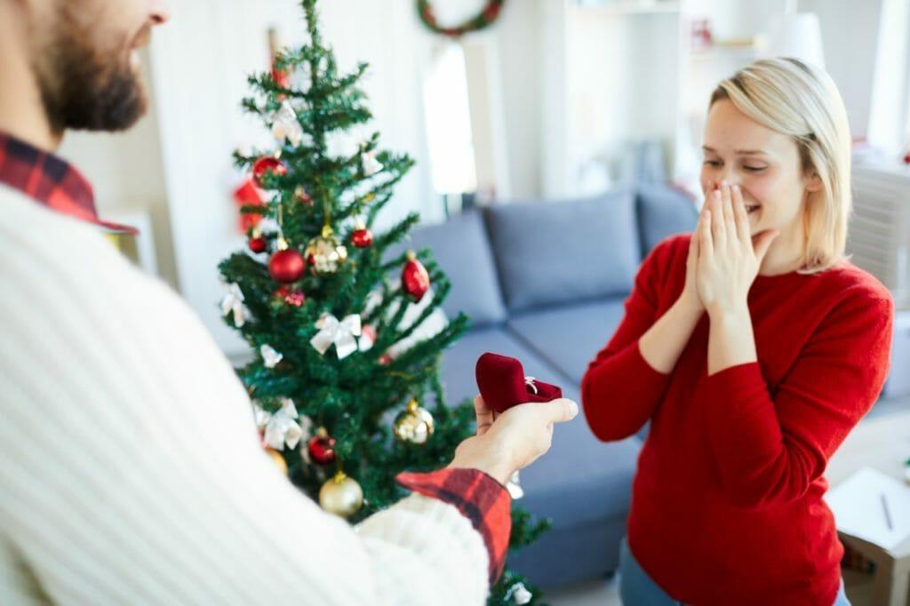 PS5を婚約指輪に添えてプロポーズ