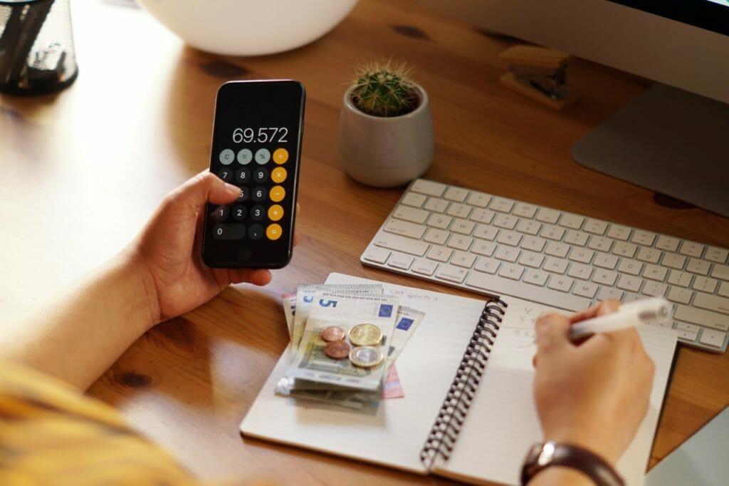 ミニマリストは実践してみて!家計簿は不要。1か月の支出の管理方法