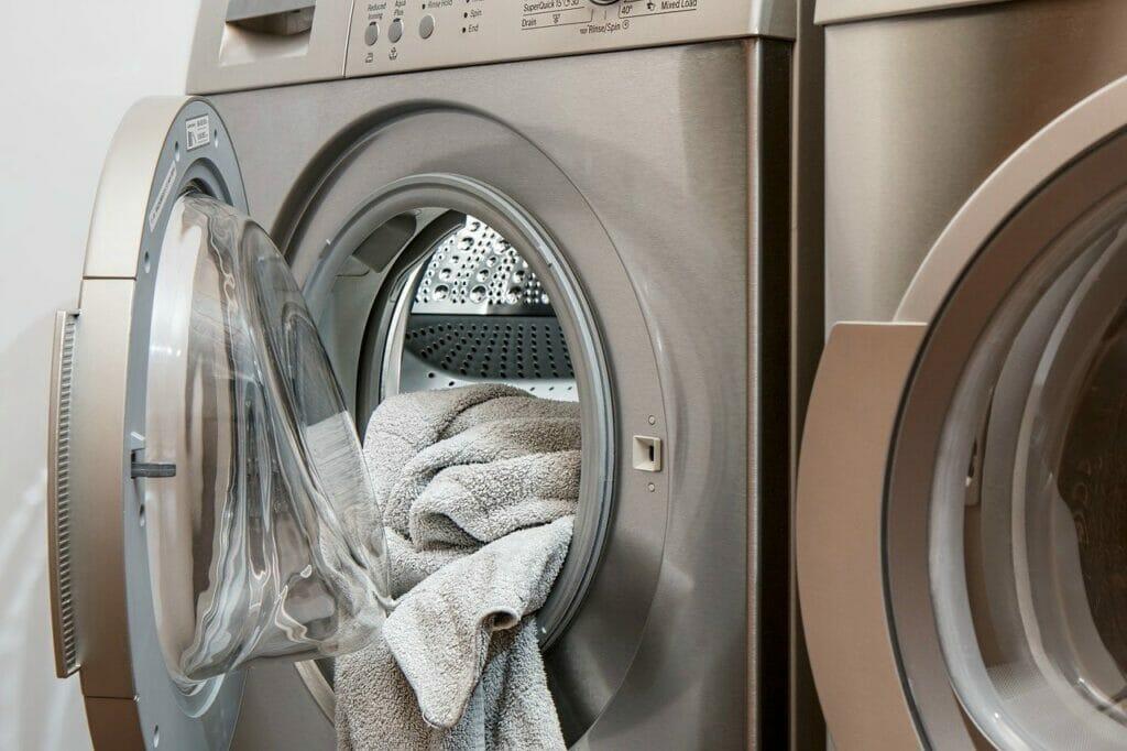 まずは確認!「冷蔵庫」と「洗濯機」のセットが必須の理由